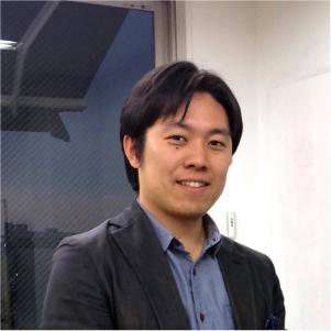 専務取締役CIO  人材開発事業部 吉田丈治